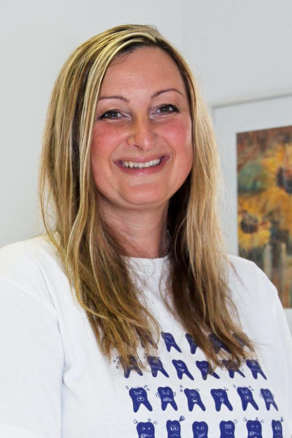 Alexandra Bauer, Assistenz und Praxislabor der Zahnarztpraxis Rügamer in Straubing