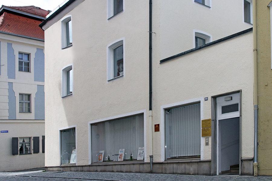 Die Zahnarztpraxis Rügamer finden Sie in der Innenstadt in Straubing.